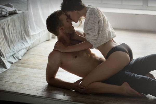 Tư thế quan hệ tình dục cưỡi ngựa là một trong những tư thế được các cô nàng rất thích